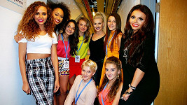 Holky z 5Angels s kolegyněmi z Little Mix.