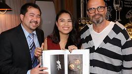 Viet Anh Doan a jeho seriálová dcera Ivy, která je mladší jen o devět let.
