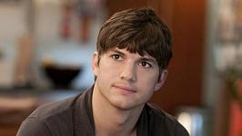 Ashton Kutcher převezme po Charlie Sheenovi roli v seriálu Dva a půl chlapa.