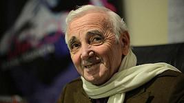 Francouzsko-arménský šansoniér Charles Aznavour.