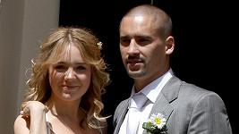 Novomanželé Lucie Vondráčková a Tomáš Plekanec.