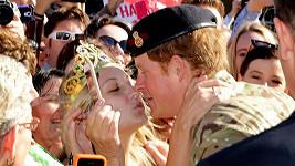 Victoria McRae neváhala a Harryho si k sobě přitáhla...