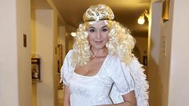 Iva Kubelková se kvůli The Tap Tap převlékla za anděla.