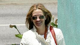 Julia Roberts v Los Angeles zářila štěstím.