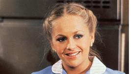 Okouzlující Lucy ze seriálu Dallas?