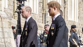 Princové William a Harry na pohřbu prince Philipa