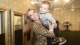 Díky synovi si krásná moderátorka udržuje úsměv na rtech a dobrou náladu.