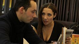 Olga Lounová s Pavlem Valouškem. Tají lásku?