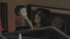 Longoria ze Zoufalých manželek s dcerkou manželů Beckhamových Harper.
