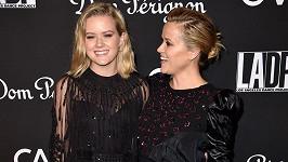 Reese Witherspoon pyšně pózuje s dcerou Avou Phillippe.