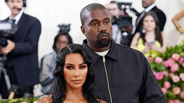 Kim Kardashian a Kanye West ukázali roztomilého chlapečka.