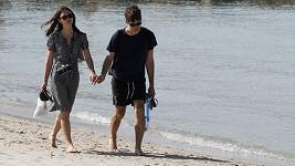 Jeden z mála romantických snímků, na němž není dvojice obklopena turisty.