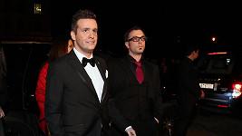 Tenhle pán má s Jimem Carreym společné jen to, že oba chodí vzpřímeně.