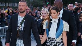 Justin Timberlake a Jessica Biel zažili cestou na přehlídku nepříjemný incident.