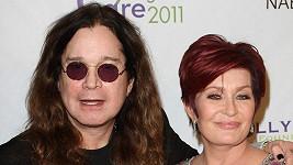 Muzikant Ozzy Osbourne s manželkou Sharon.