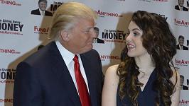 Celeste Buckingham dostala od amerického miliardáře pořádný balík peněz.