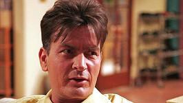 Charlie Sheen v seriálu Dva a půl chlapa.