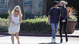 Pamela Anderson a její syn Dylan s přítelkyní