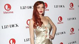 Lindsay je pro změnu opět zrzka.