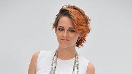 Kristen Stewart krátké vlasy sednou.