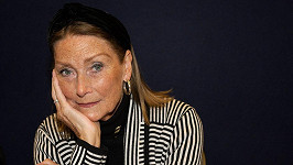 Tania Mallet (2012)