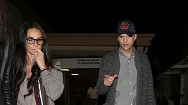 Demi Moore a Ashton Kutcher se spolu po dlouhé době jsou schopni normálně bavit.