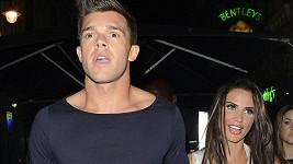 Katie Price se po dvou letech rozešla s Leandrem Pennou.