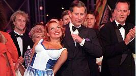 Princ Charles a Geri Horner, tehdy Halliwell, na slavném snímku z roku 1997
