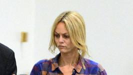 Vanessa Paradis na letišti v Los Angeles.