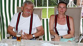 Karel Šíp s manželkou Ivou na párty u Petra Jandy