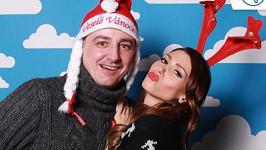 Takhle sexbomba Kerndlová s přítelem Reném popřáli fanouškům Veselé Vánoce.