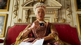 Golda Rosheuvel jako královna Charlotte v Bridgertonových