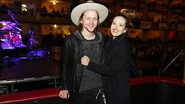 Tomáš Klus s manželkou