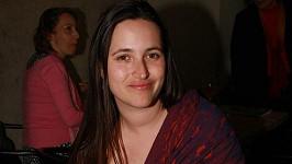 Dcera Petry Černocké nakojila dceru na večírku.