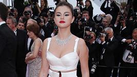 Selena Gomez na filmové premiéře jenom zářila.