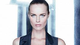 Eva Herzigová v kosmetické řadě Capture Total.