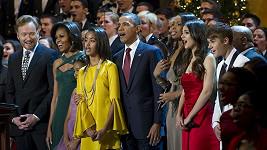 Prezidentská rodina a Justin Bieber na vánočním koncertě.