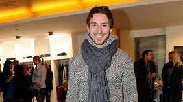 Teplý svetr a pletenou šálu nebude Martin v Brazílii určitě potřebovat.