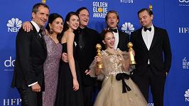 Hvězdy Tenkrát v Hollywoodu během udílení Zlatých glóbů