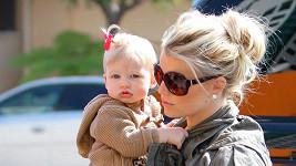 Jessica se svou prvorozenou dcerkou.