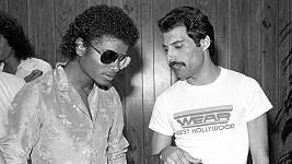 K dietu Michaela Jacksona a Freddyho Mercuryho nakonec nedošlo.