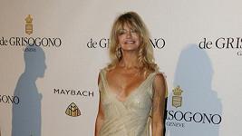 Goldie Hawn v šatech, jejichž výstřih ji později zradil.