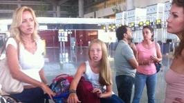 Kateřina s dcerou Kačenkou se vracejí z dovolené.