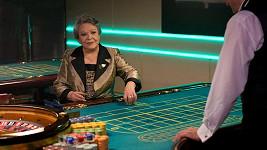 Jiřina Bohdalová neztrácí ani u rulety glanc pravé dámy.