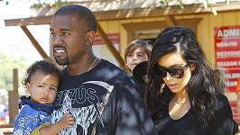 Kanye West s dcerou North a manželkou Kim Kardashian.