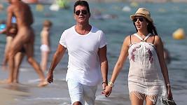 Simon Cowell a Lauren Silverman na jihu Francie.
