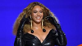 Beyoncé na udílení Grammy 2021
