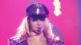 Britney Spears nesmí mít vlastní mobil.