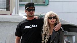 Tento vztah už je minulostí: Lady Gaga s Taylorem Kinneym.