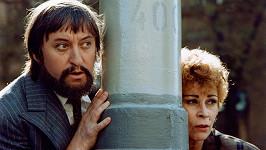 Jiří Lábus a Jana Andresíková jako Rumburak a paní Černá v seriálu Arabela se vrací aneb Rumburak králem Říše pohádek (1993)